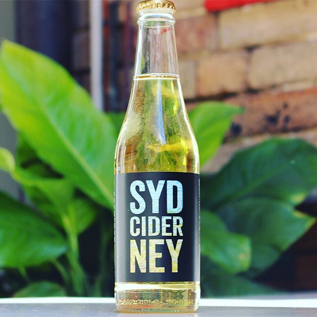 Micky's sparkly Wednesday special - $6 SYDNEY CIDER ...made from freshly crushed apples fermented with champaigne yeast.. #sydneycider #mickyscafe #mickys #sydneylocal #mickyspaddington #sparklywednesday