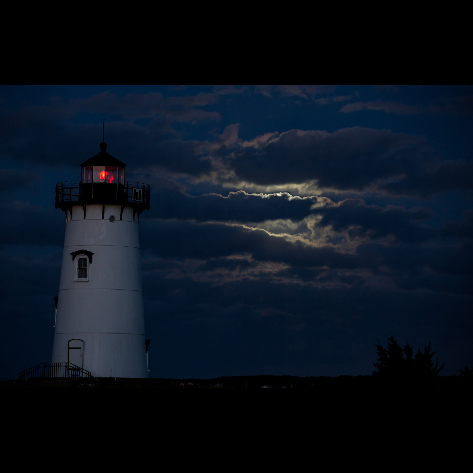 9.27 LIGHTHOUSE SUPERMOON
