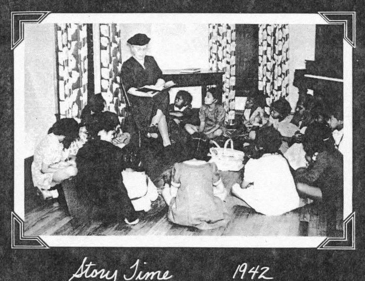 Story time, Dunbar Community Center, 1942