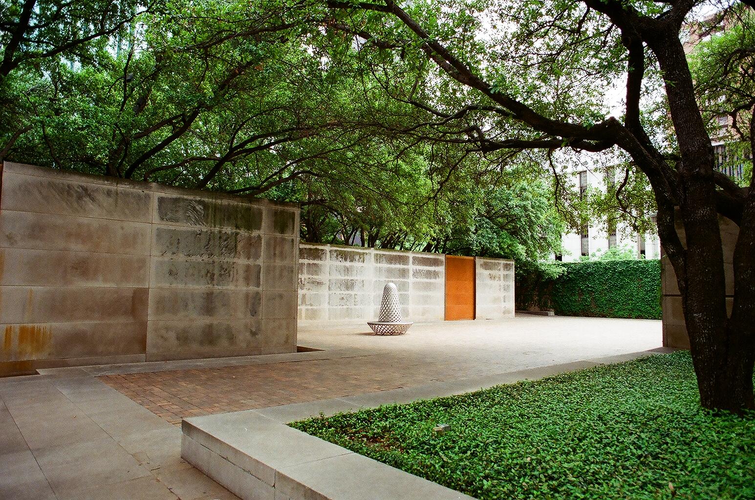 Dallas Museum of Art Sculpture Garden 3