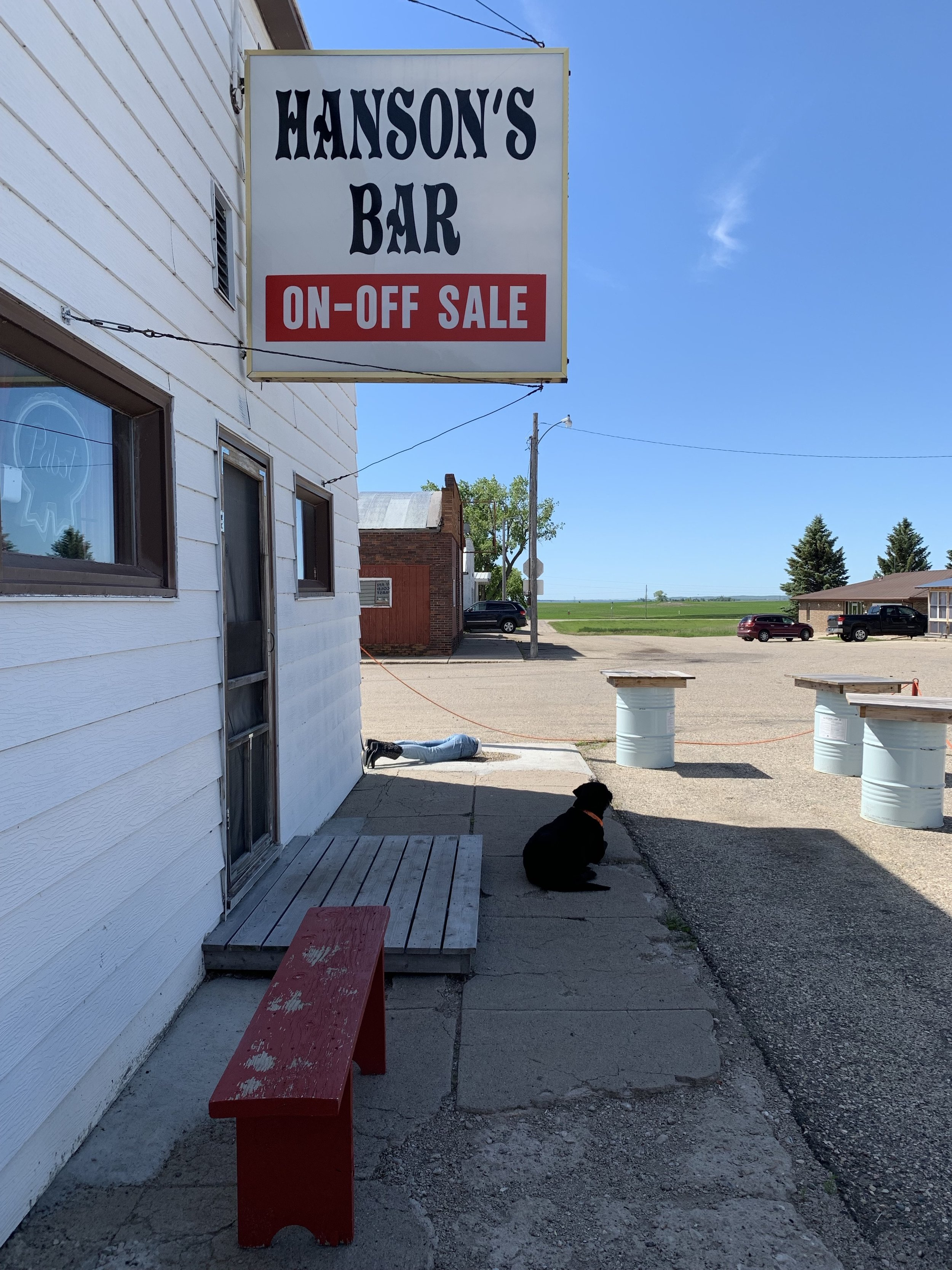 Hanson's Bar - the center of the Center for Determining Centers that has been overruled in its determination that it is the Center of North America. New favorite place in North America. Robinson, North Dakota