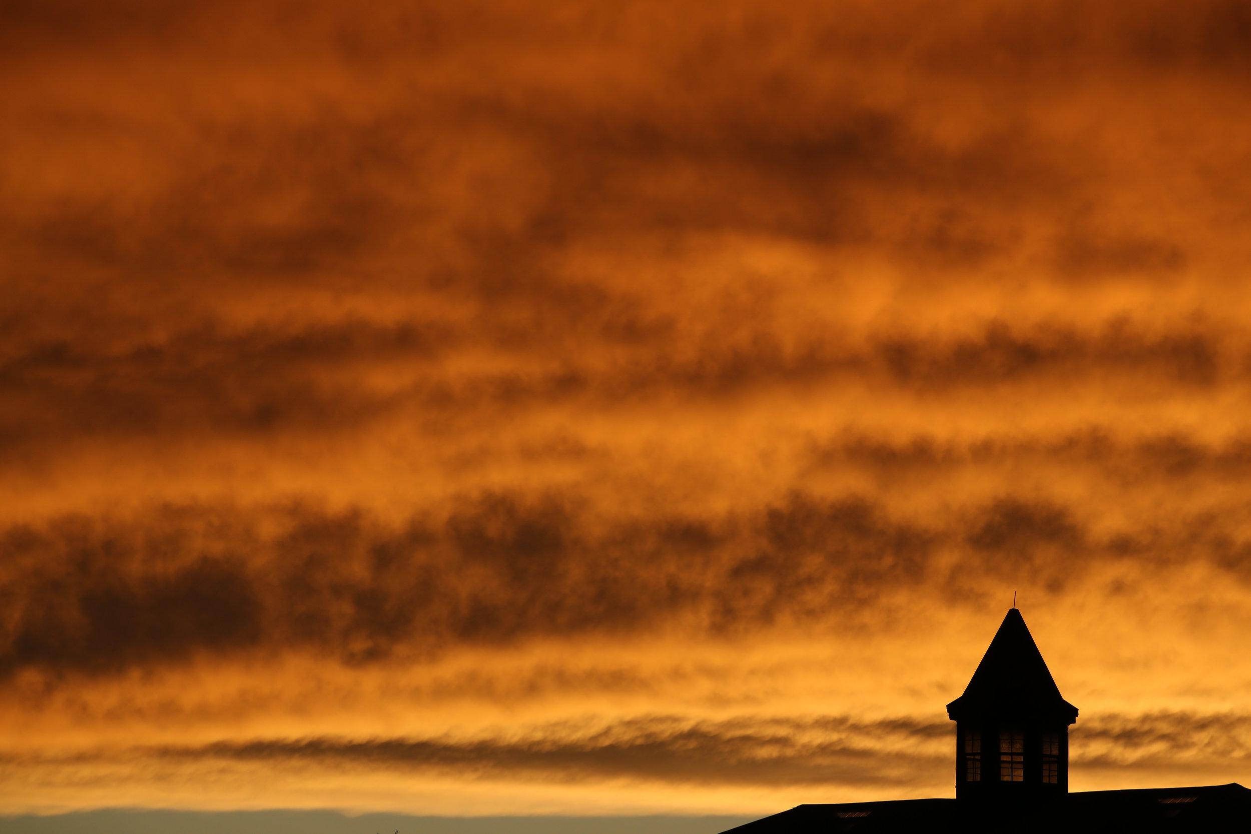 The sun sets over a horse farm on Thursday, March 31, 2016, in Lexington, Ky. (Kevin Martin)