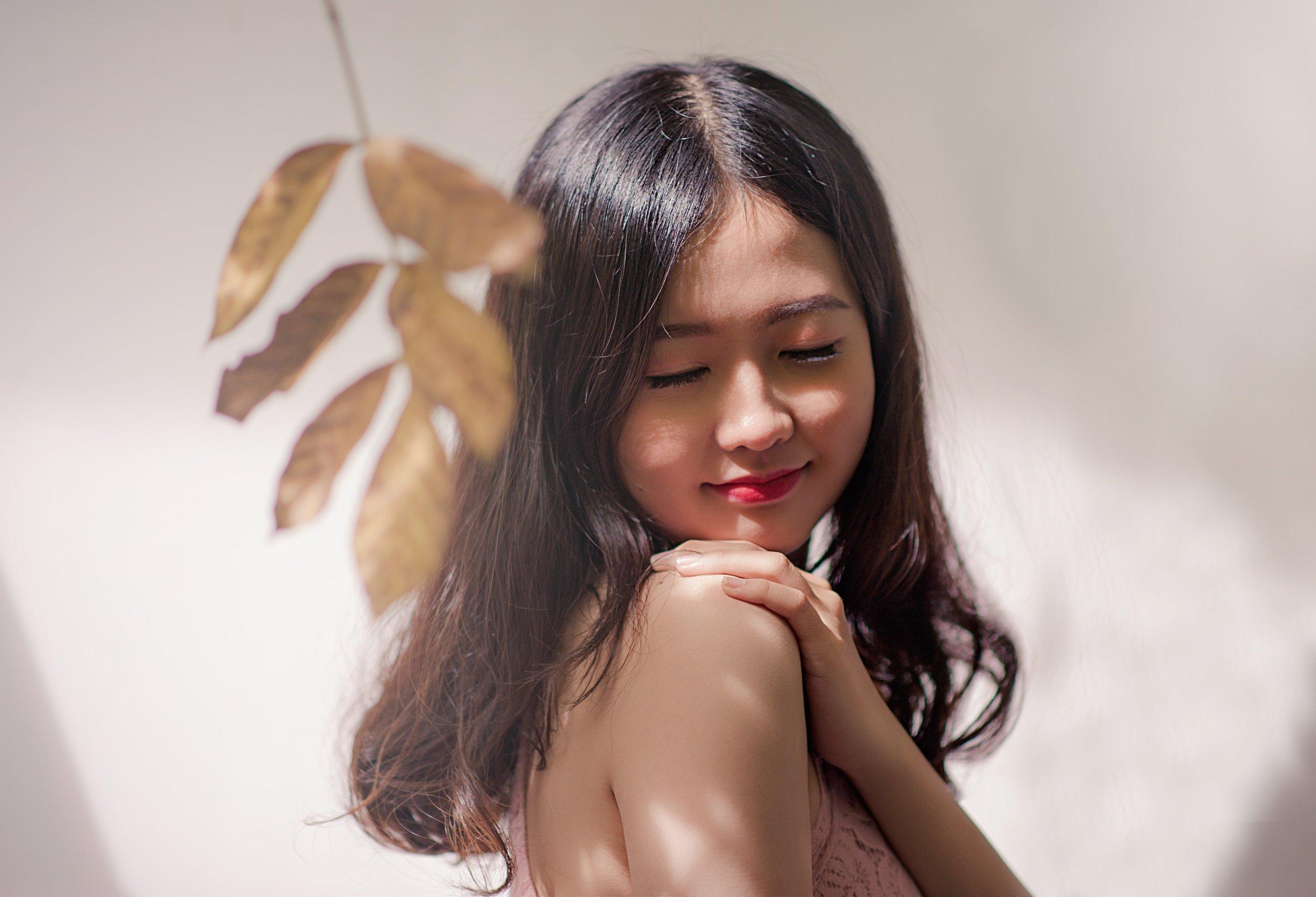 beautiful-beauty-person-819808.jpg