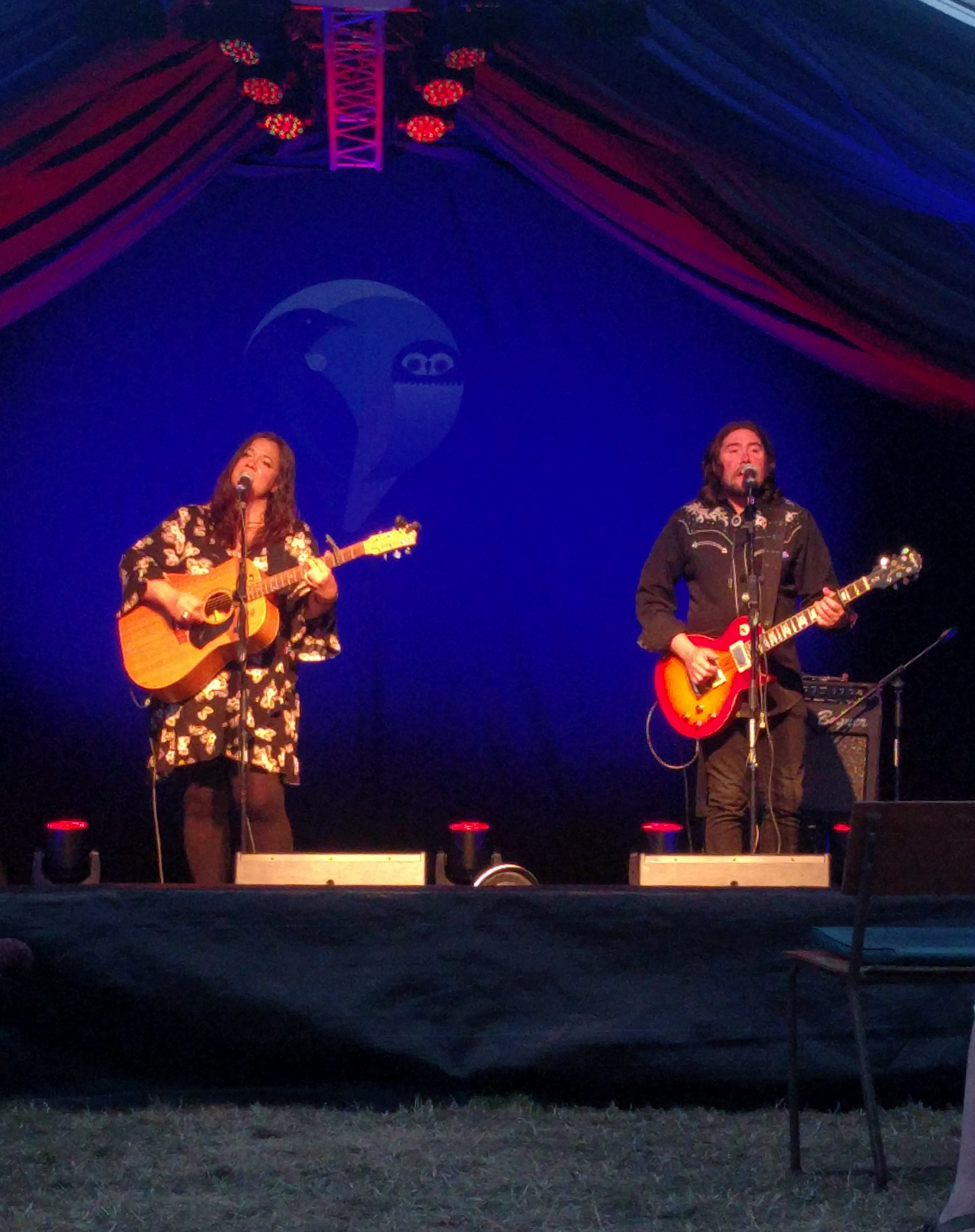 Jo Little and Jared Smith performing at the Whare Flat Folk Festival 17/18