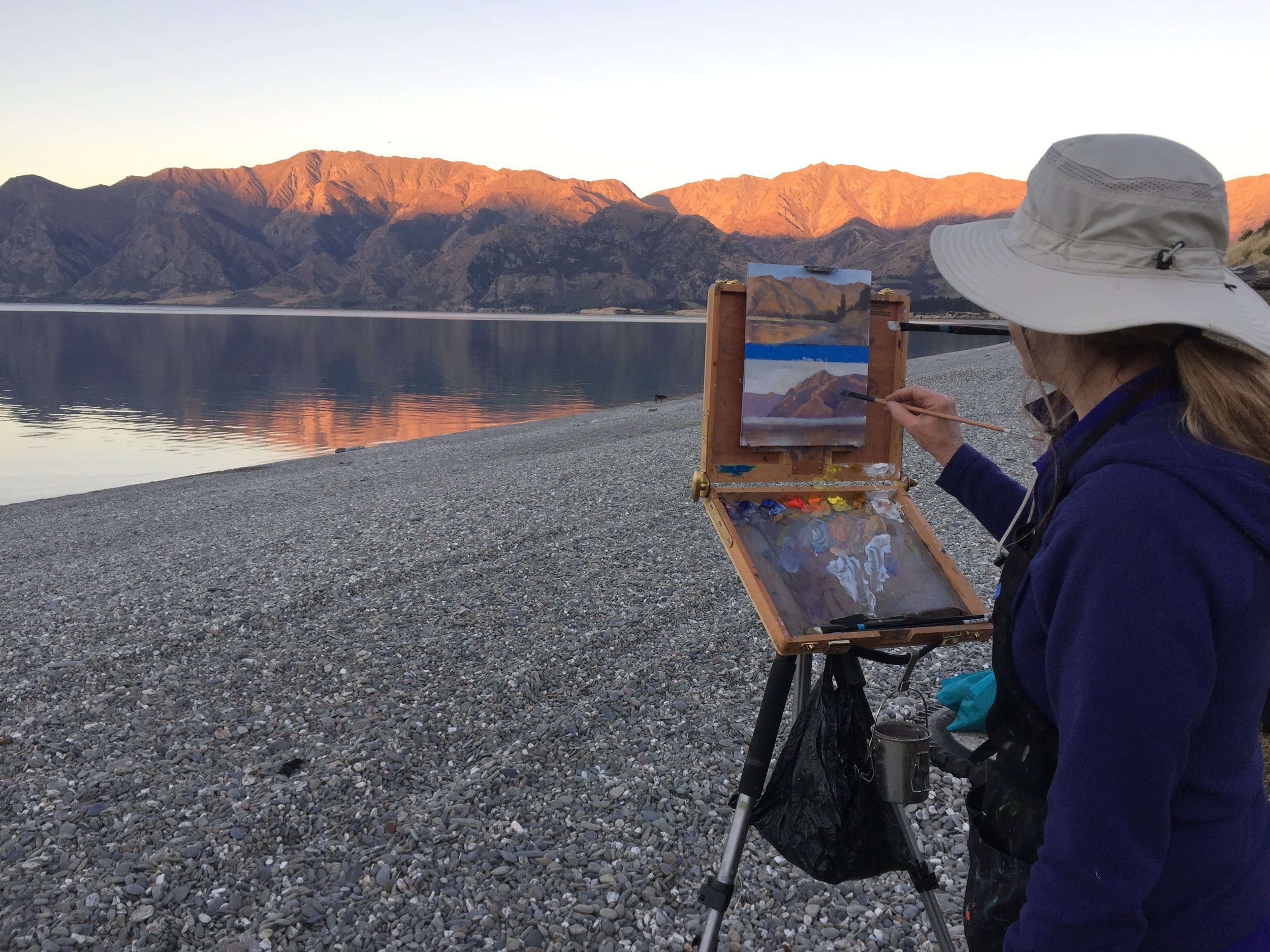Sunset painting at Lake Hawea - Photo Penny Willocks