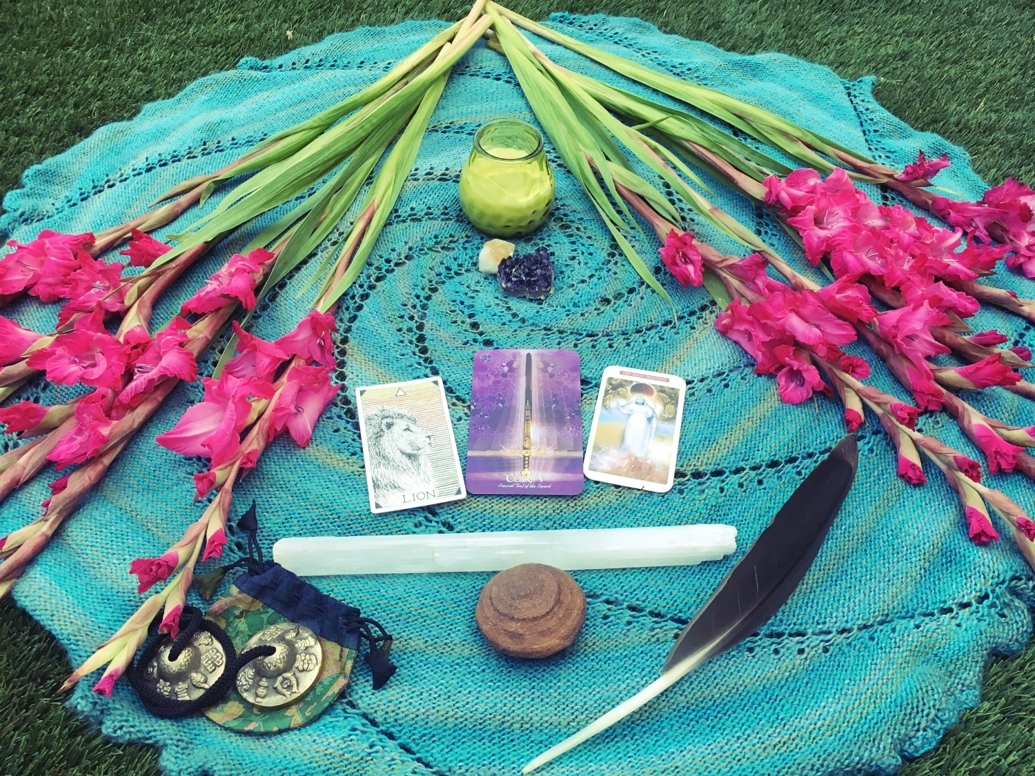 moon circle magic - with ritual, prayer and invocation, we attune energetically - landing, clearing & releasing. making space to invoke our highest intentions, checking in with the stars, the myths, the symbols and the numbers of each lunation, and engaging into meaningful conversation and experiential sharing in a sacred, supported space of pure, divine, conscious feminine sisterhood.