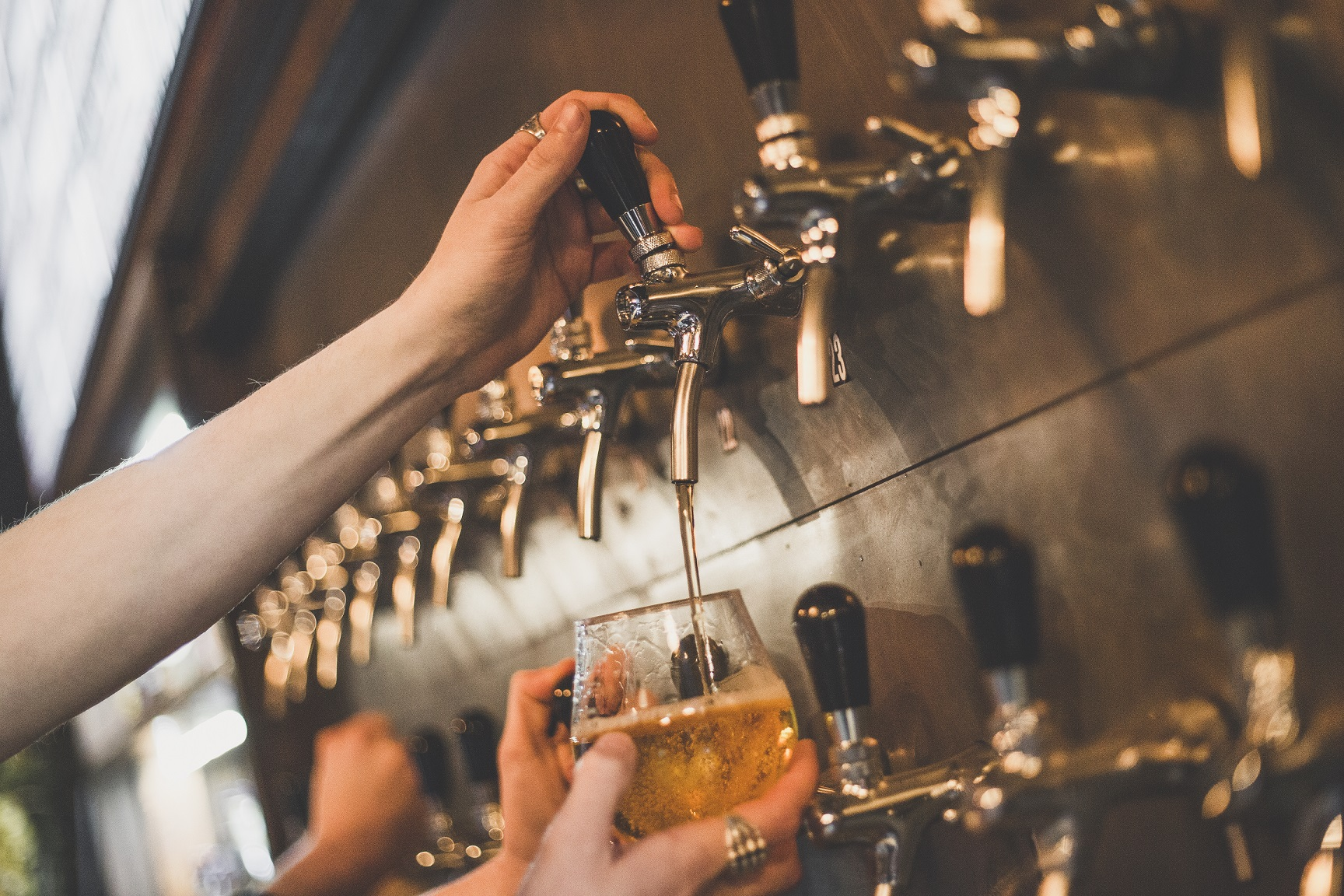 Taphouse Brewpub offers almost 40 draught craft beers, lagers and ciders, as well as an extensive range of bottled and canned beers, quality wines and artisan spirits.