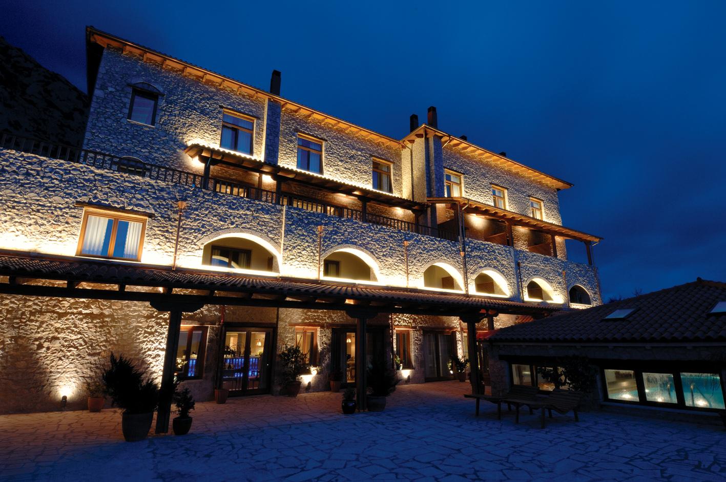 Santa Marina Arachova Resort & Spa (14).jpg
