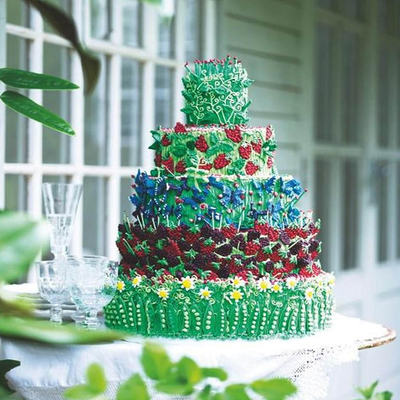 Garden-themed-wedding-cake-biscuiteers.jpg
