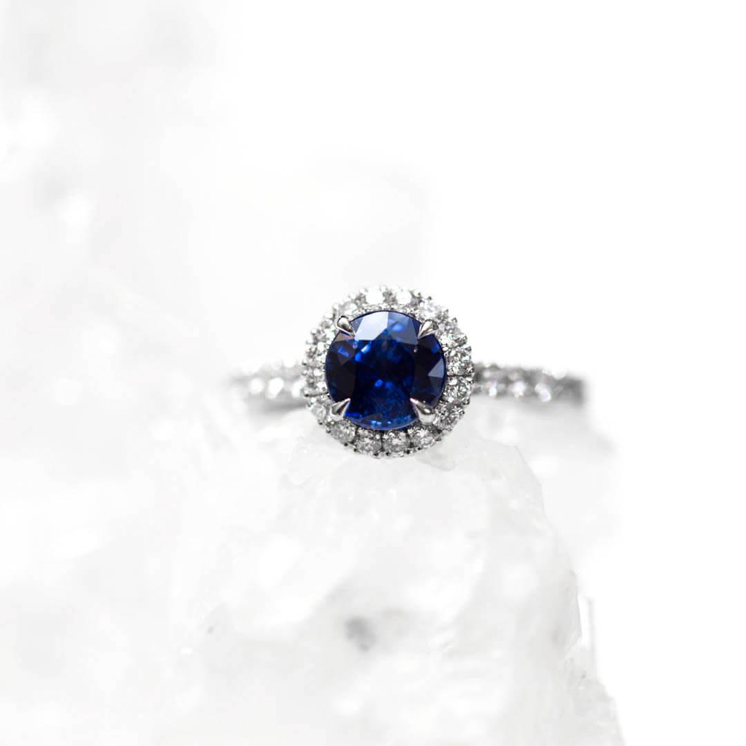 Blue-Sapphire-Engagement-Ring-Bespoke-Kate-Middleton-London-Queensmith-Master-Jewellers-Hatton-Garden