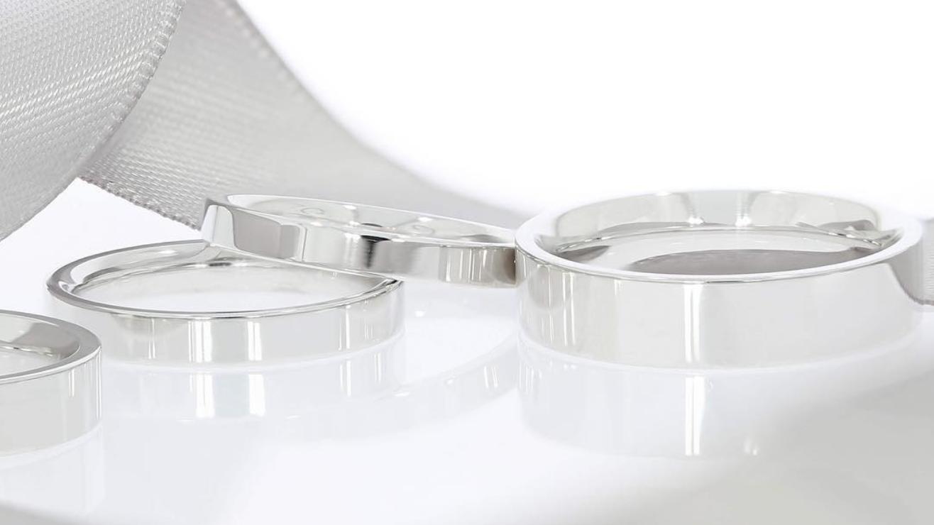 Pinterest-2018-wedding-report-trends-minimal-simple-budget-friendly-DIY-planning-themes-rings-capes-jumpsuits-concrete-oval-diamonds-subtle-makeup-hatton-garden-london-jewellers-engagement-ring