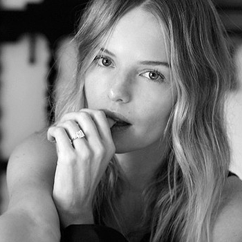 Kate's Asscher cut diamond solitaire engagement ring suits her sleek, laid-back style.  Kate Bosworth / @katebosworth