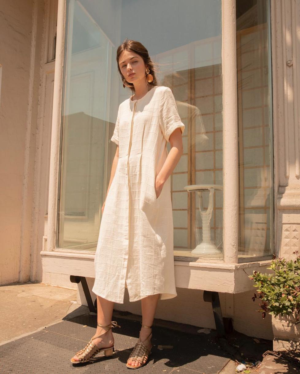 Keeping cool in linen: Journee Midi Dress @articleand