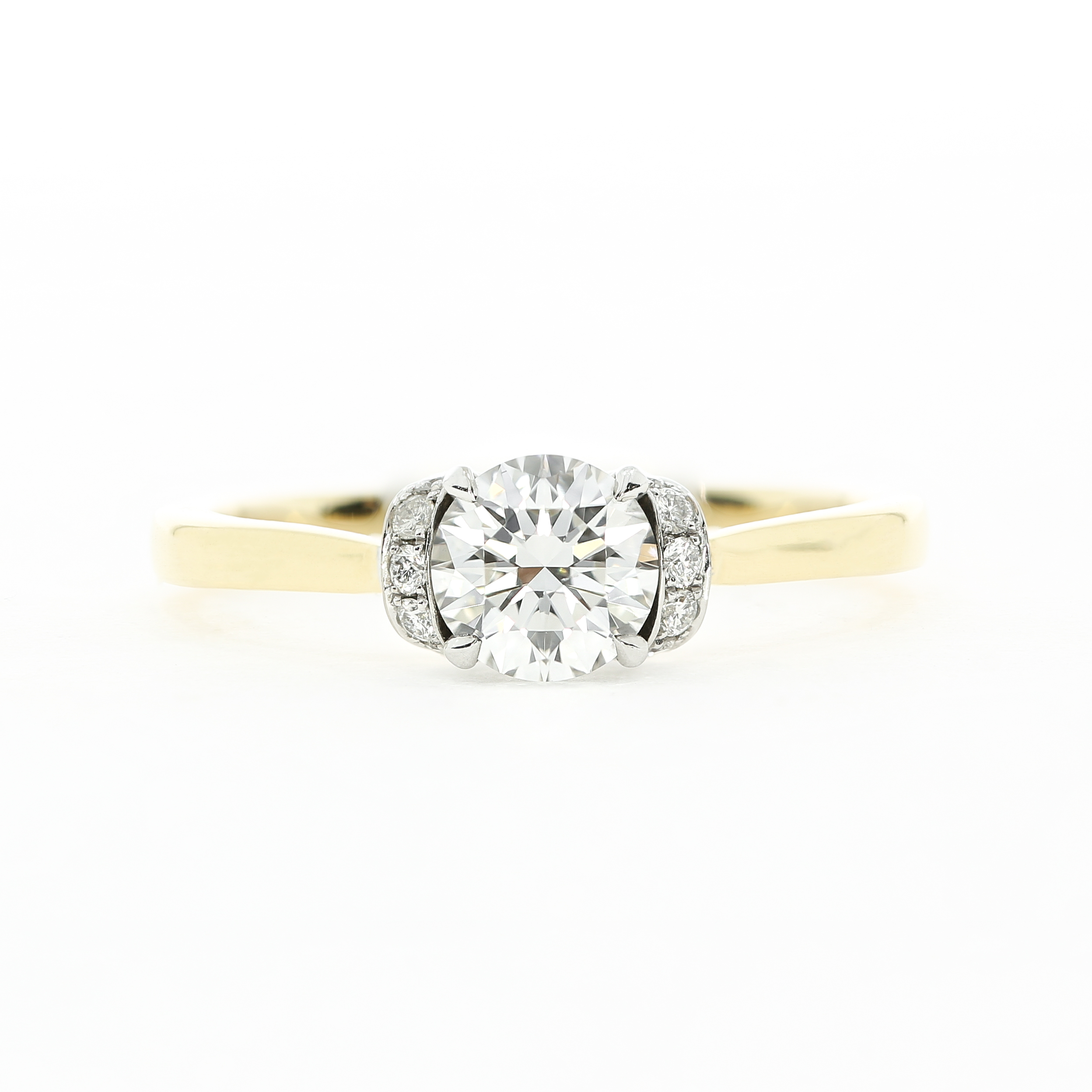 The  Garland Pavé  engagement ring