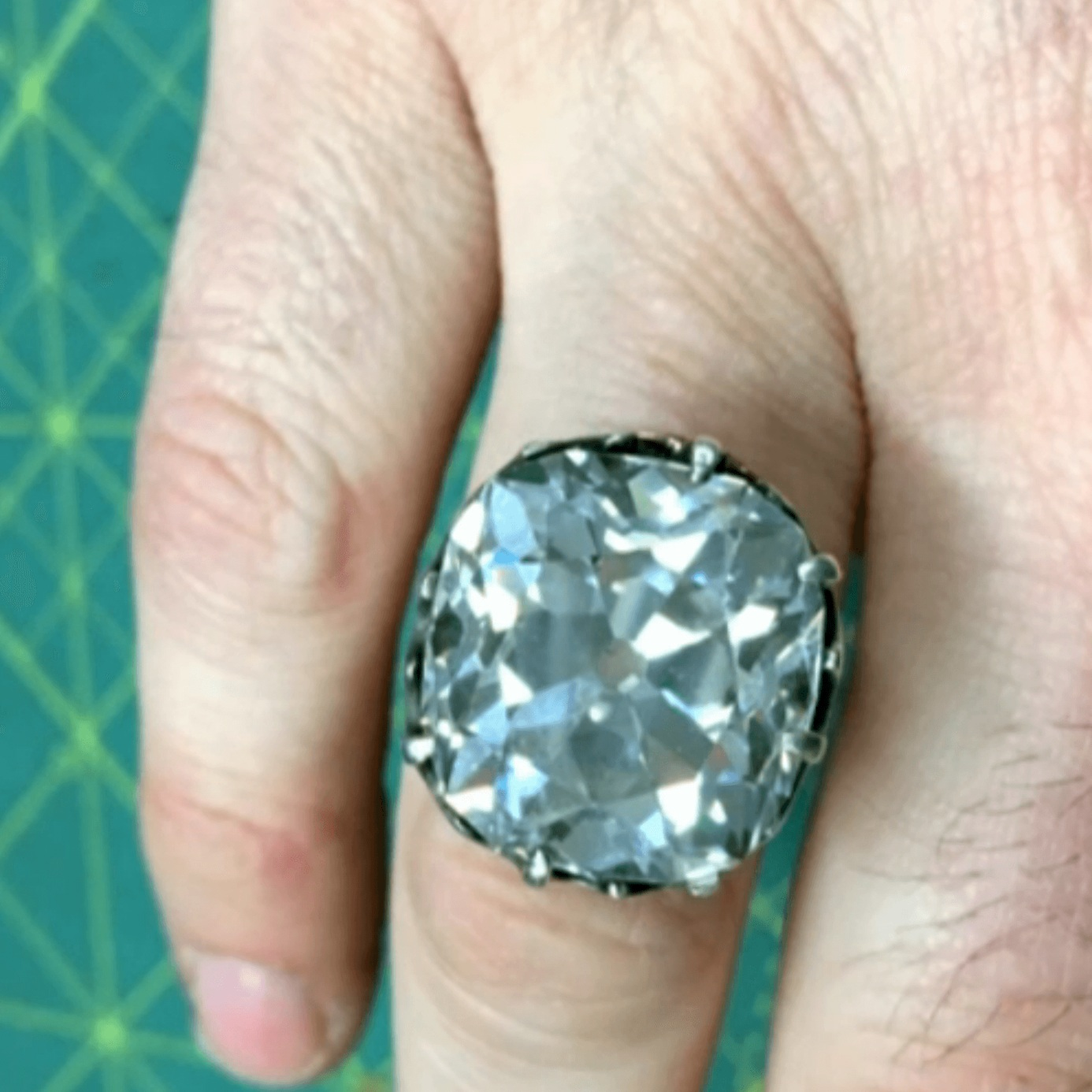 25-carat-diamond-ring-found-at-car-boot-sale-solf-for-%C2%A3740%2C000-ITV-News-Queensmith-Master-Jewellers-Hatton-Garden-Jewellers-2+%281%29.jpg