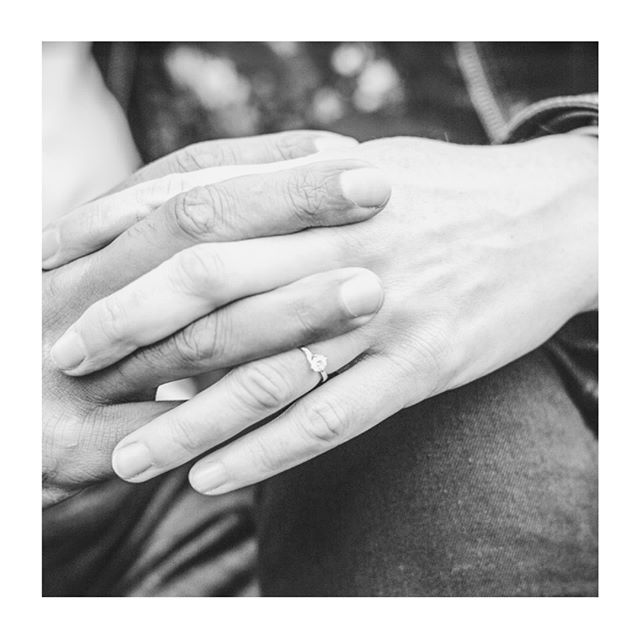 Back at it with another happy couple, thank you for choosing @queensmiths 💕 we love seeing your engagement photos - don't forget to tag us! . . . . . #heasked #shesaidyes #engagementphoto #engaged #weddingphotography #ringgirl #ringring #weddingrings #jewelrygram #jewelrydesign #instajewelry #theknotrings #justengaged #theknotproposals #propsals #proposalstory #londonjewellery #ohwowyes #solitaire #solitairering #engagementring #diamondring