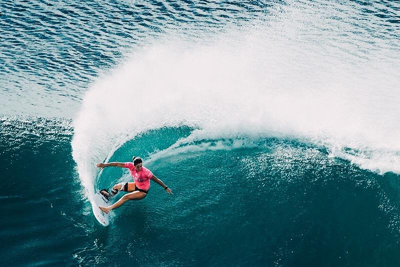 Tyler-wright-surfing-champion-women-hawaii.jpg