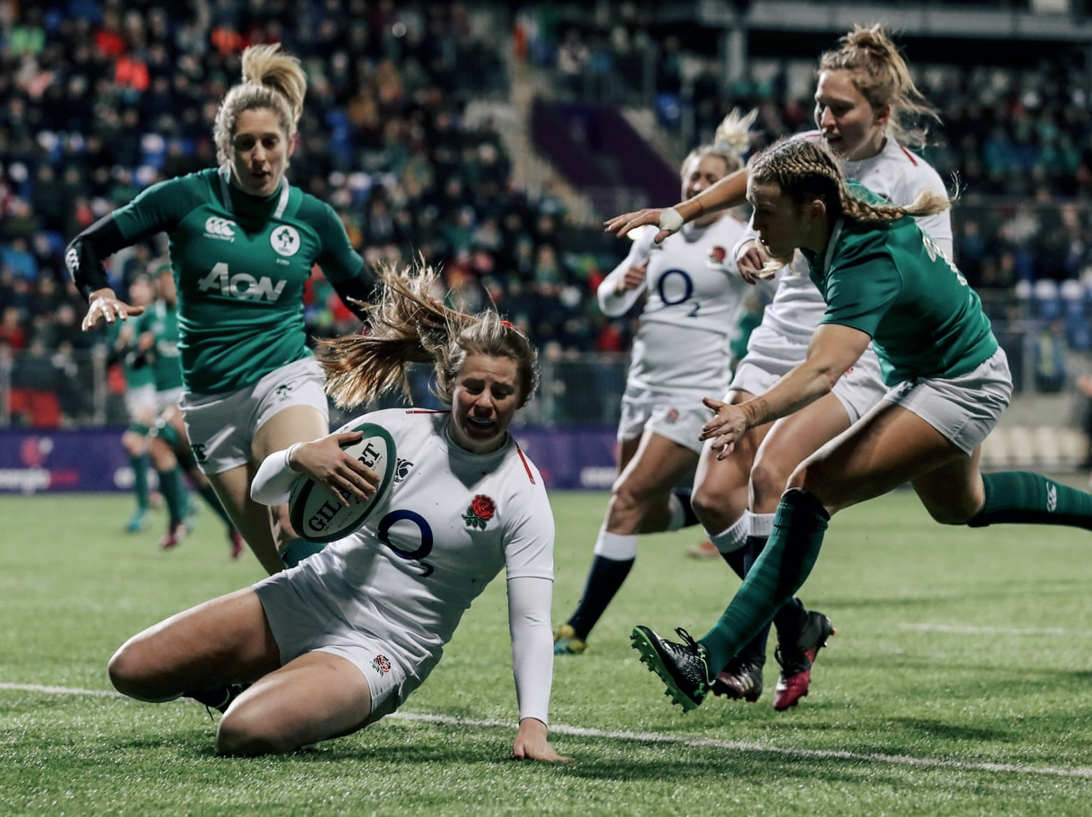England's Zoe Harrison goes over for a try at Donnybrook in Dublin. Img: Dan Sheridan