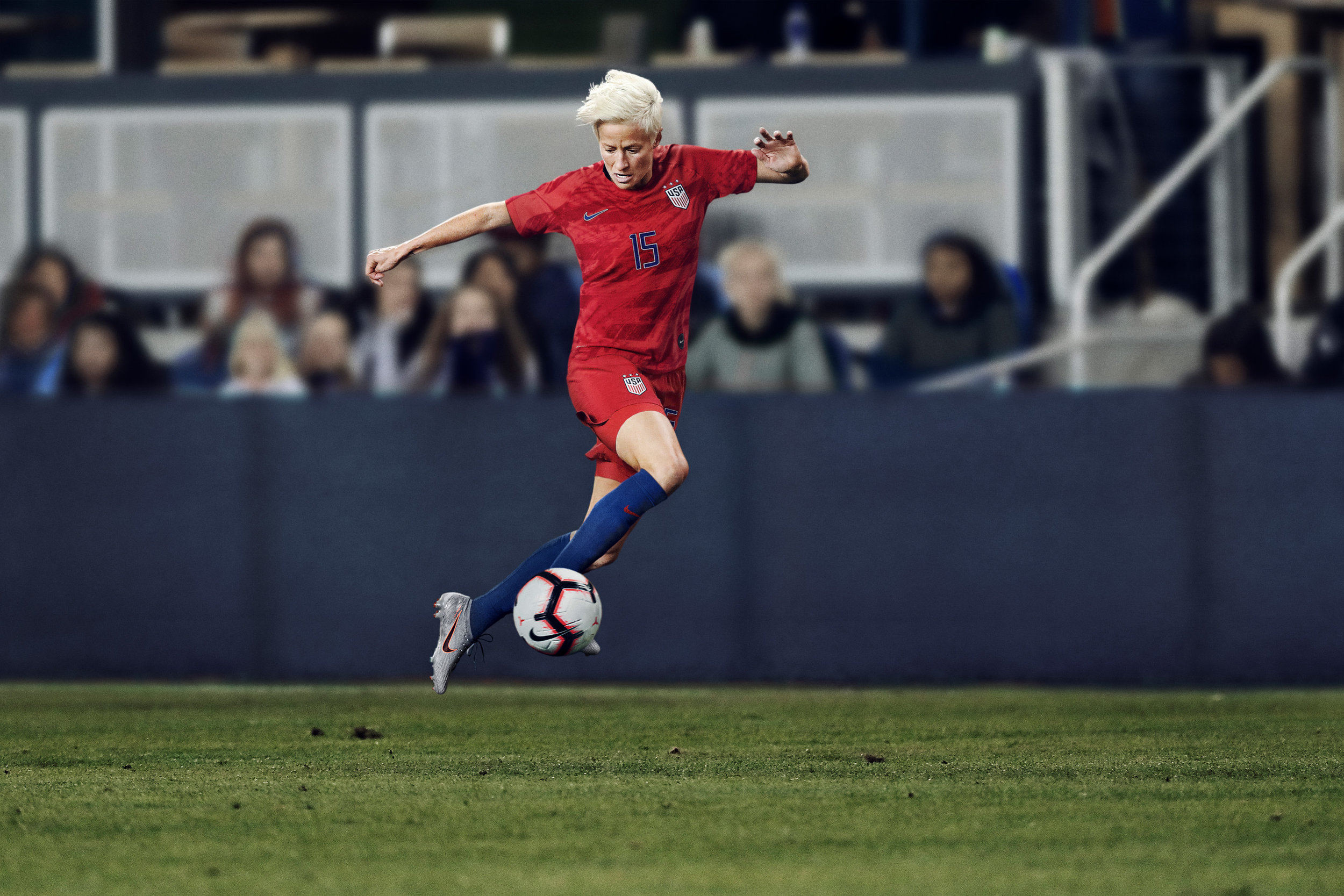 Megan Rapinoe in the US away kit