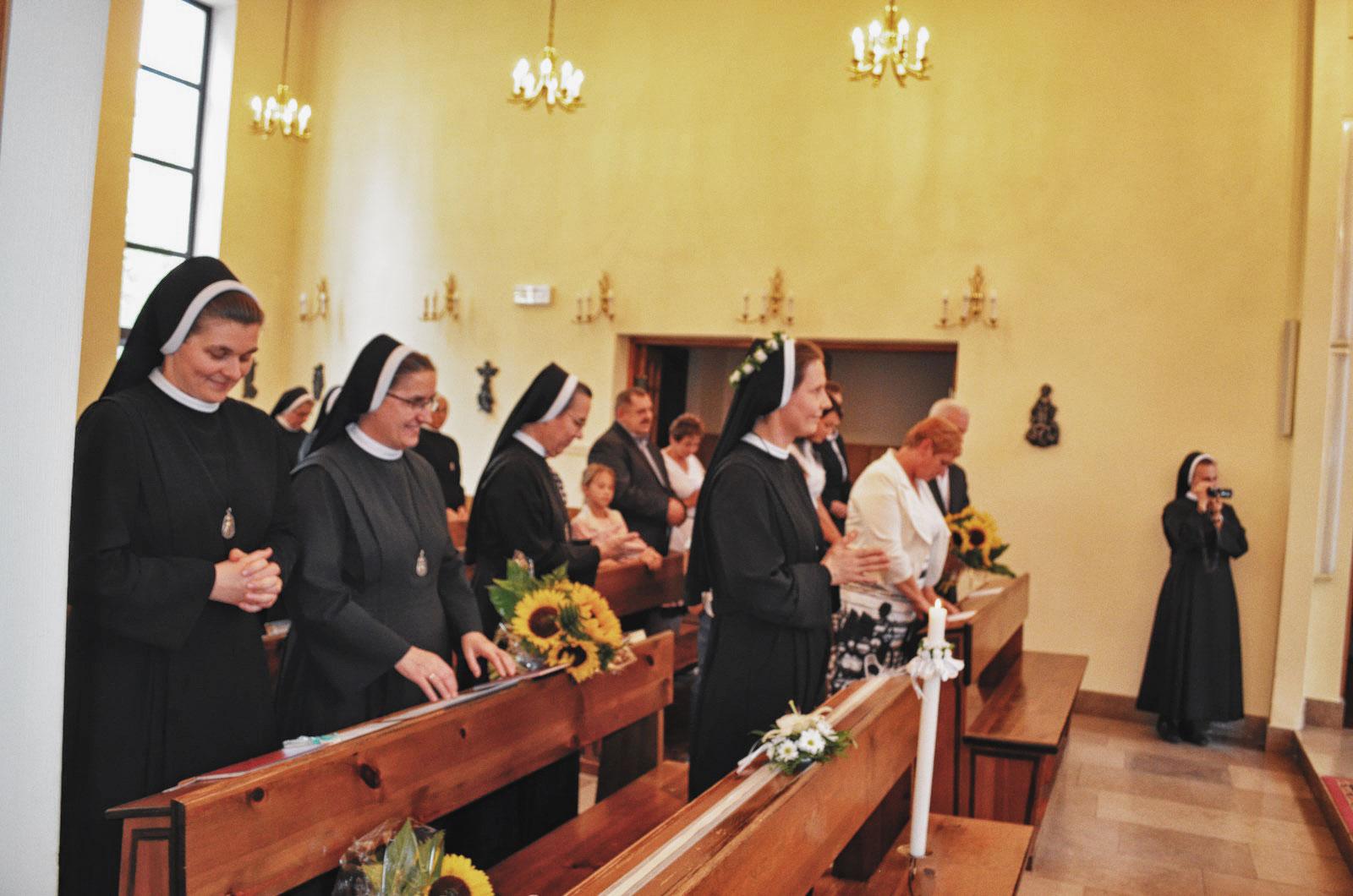 Sióstr_św_Elżbiety-Pierwsze_Śluby_fotorelacja-I-SLUBY-DSC_0597-min.jpg