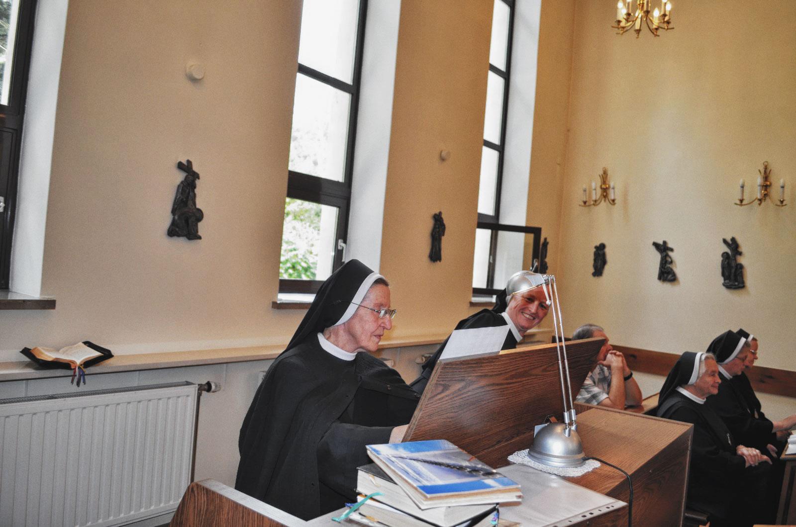 Sióstr_św_Elżbiety-Pierwsze_Śluby_fotorelacja-I-SLUBY-DSC_0591-min.jpg