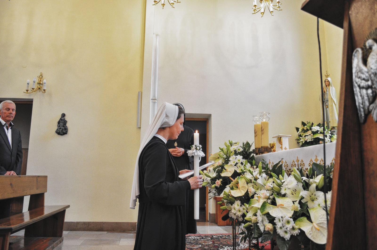 Sióstr_św_Elżbiety-Pierwsze_Śluby_fotorelacja-I-SLUBY-DSC_0560-min.jpg
