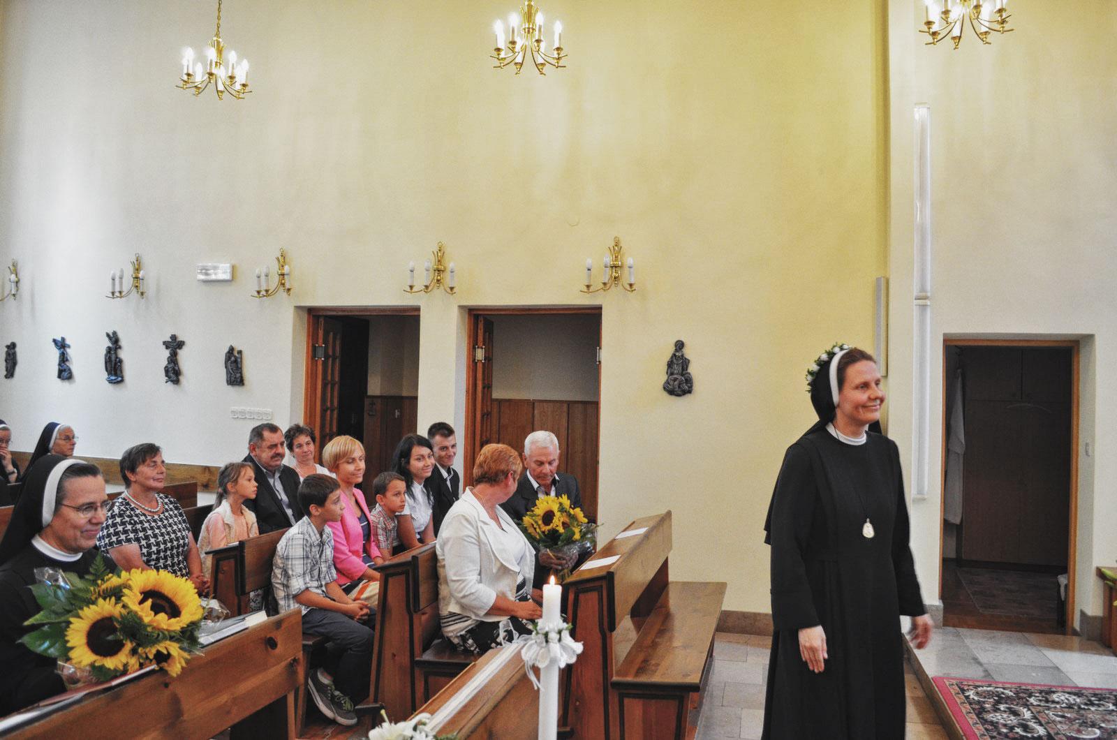 Sióstr_św_Elżbiety-Pierwsze_Śluby_fotorelacja-I-SLUBY-DSC_0596-min.jpg