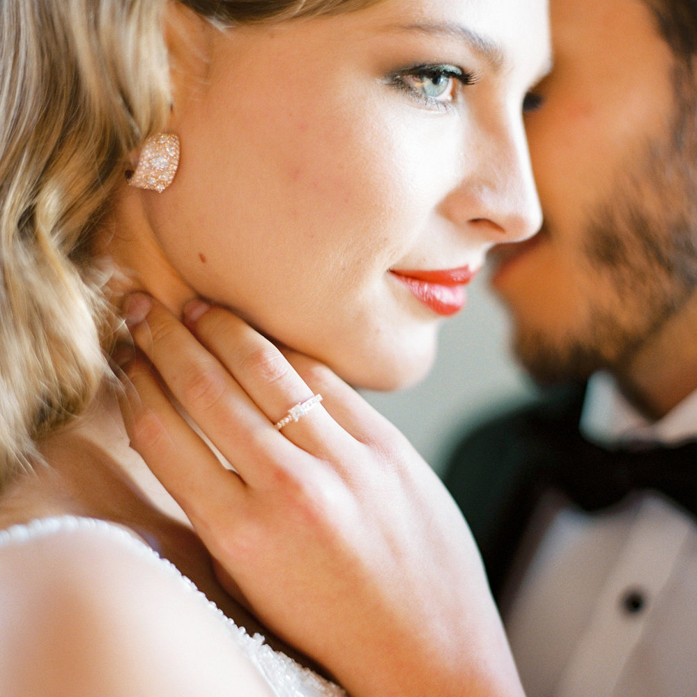 Engagement-ring-branco-prata-solitaire.jpeg