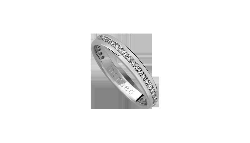 AN0618A - Aliança Moments com diamantes   Aliança em ouro branco 19.2 Kt. com 32 diamantes lapidação brilhante. Opção em ouro rosa ou ouro amarelo.