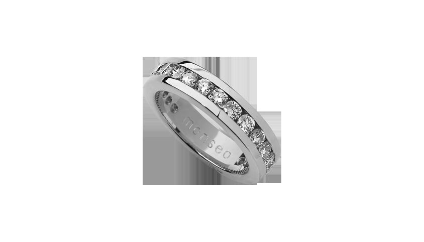 AN0614A - Aliança Moments com diamantes   Aliança em ouro rosa 19.2 Kt. com 24 diamantes lapidação brilhante. Opção em ouro rosa ou ouro amarelo.