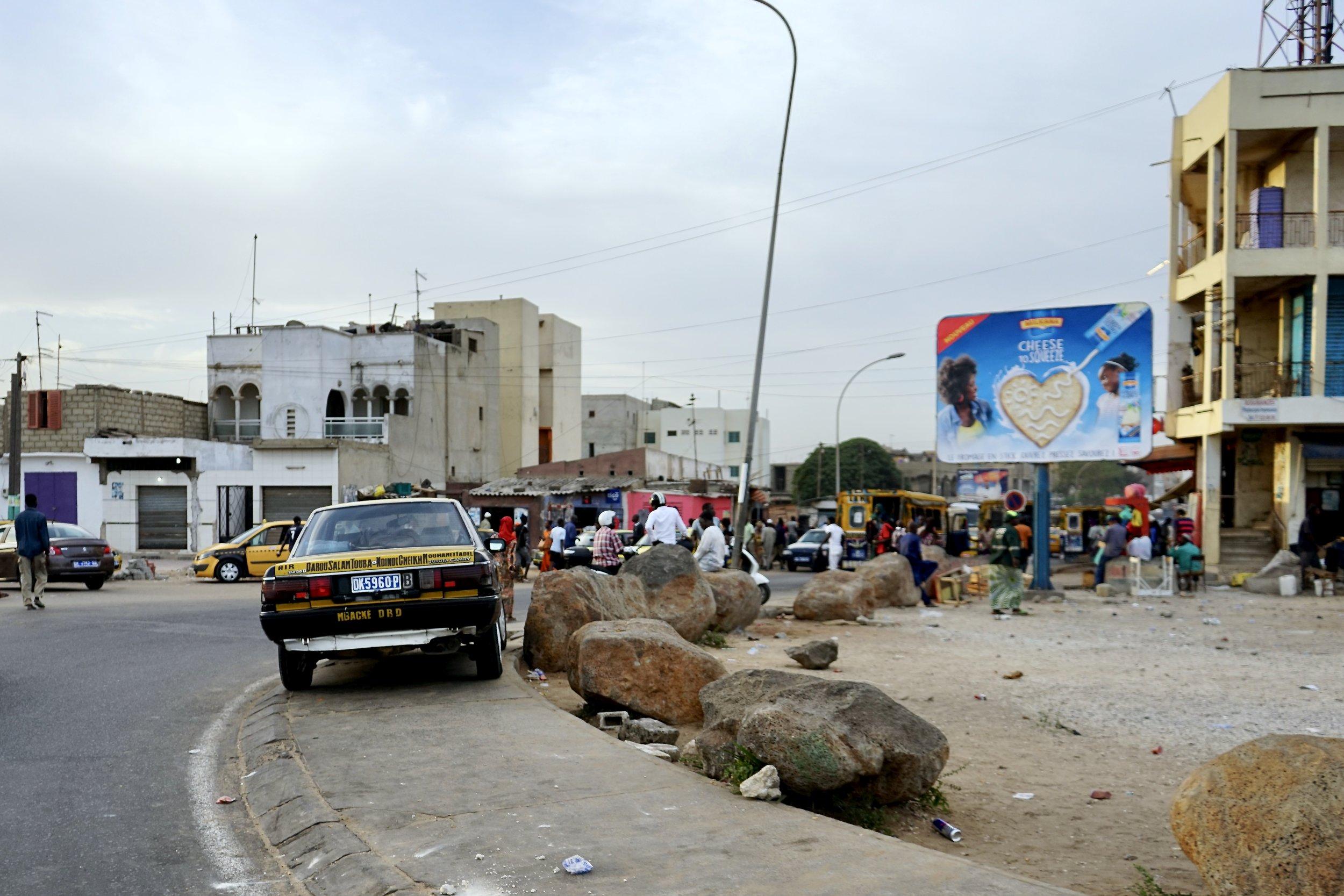 Una strada di Dakar, Senegal.