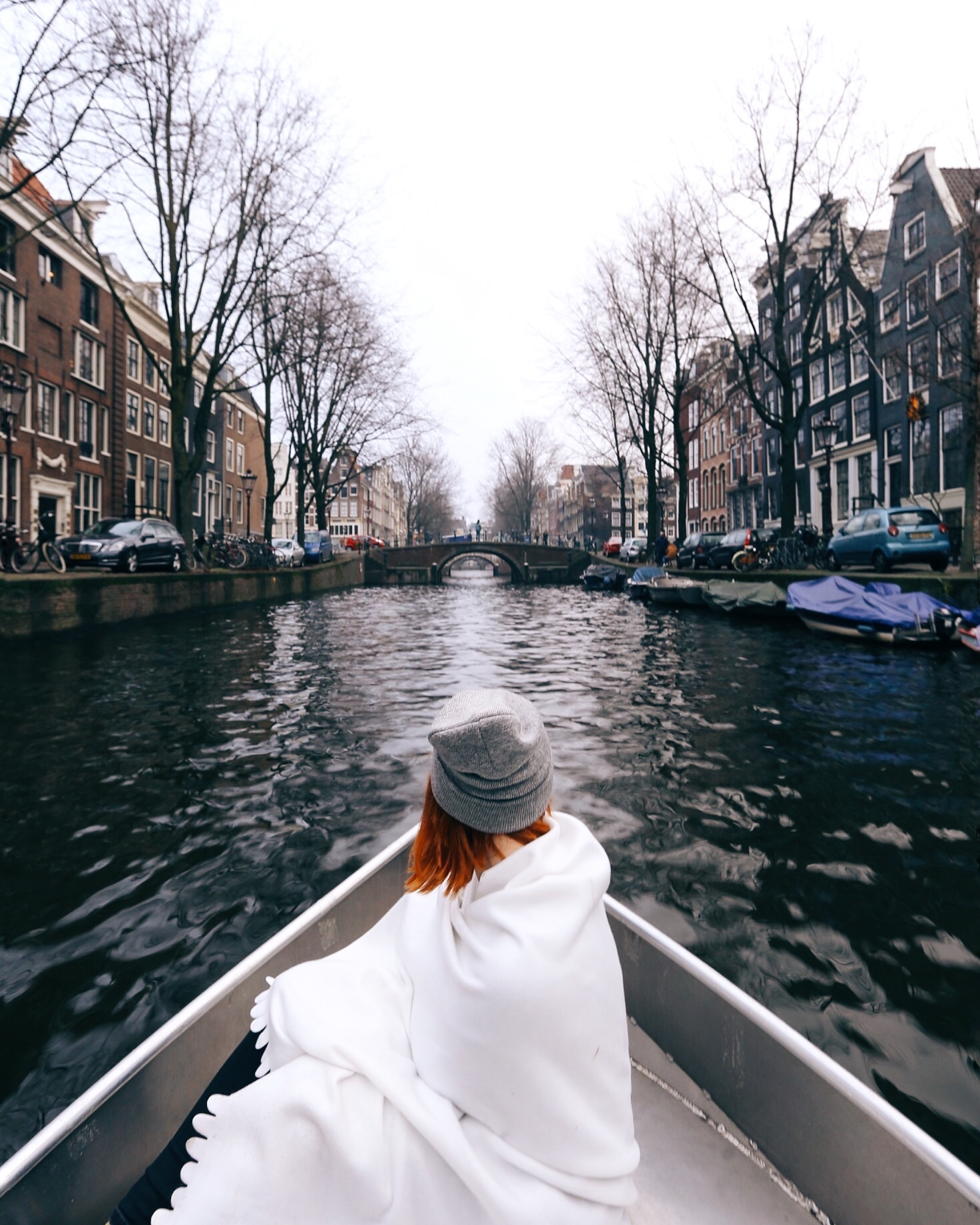 Da provare: il tour dei canali di Amsterdam.
