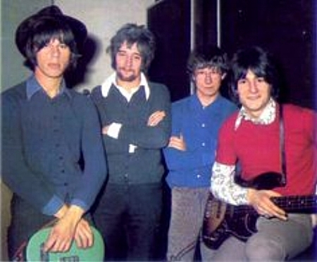 A rare sighting of Jeff Beck in his hippy hat. With Rod Stewart, Tony Newman and Ronnie Wood