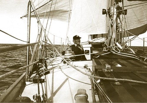 Sir Francis Chichester : sailing the Clipper Route in 226 (not always stormy) days
