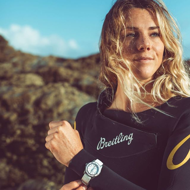 (#ad) The 4:30 am alarm sure payed off, we scored a gorgeous summer sun rise, empty beach and fun waves! A brilliant day mostly spent laughing, surfing, beach cleaning and shooting with the @breitling_uk surf squad. 🤙🏼 The superocean automatic 36 was so easy to wear in the water, lightweight, comfortable and I don't for a second doubt its durability.  #squadonamission #saveoursuperoceans