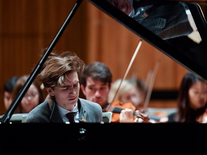 Daniel Kharitonov piano RFH 16x9.jpg