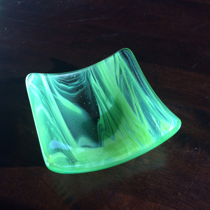 kiln_fused_art_formed_green_bowl.jpg