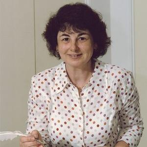 Gillian Bates