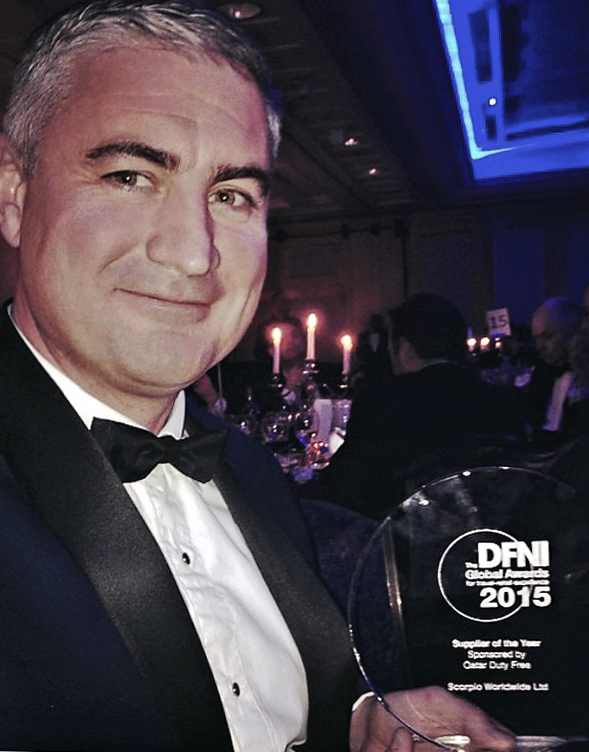 stuart-dfni-global-award-supplier-of-the-year-2015_scorpio-worldwide_travel-retail-distributor