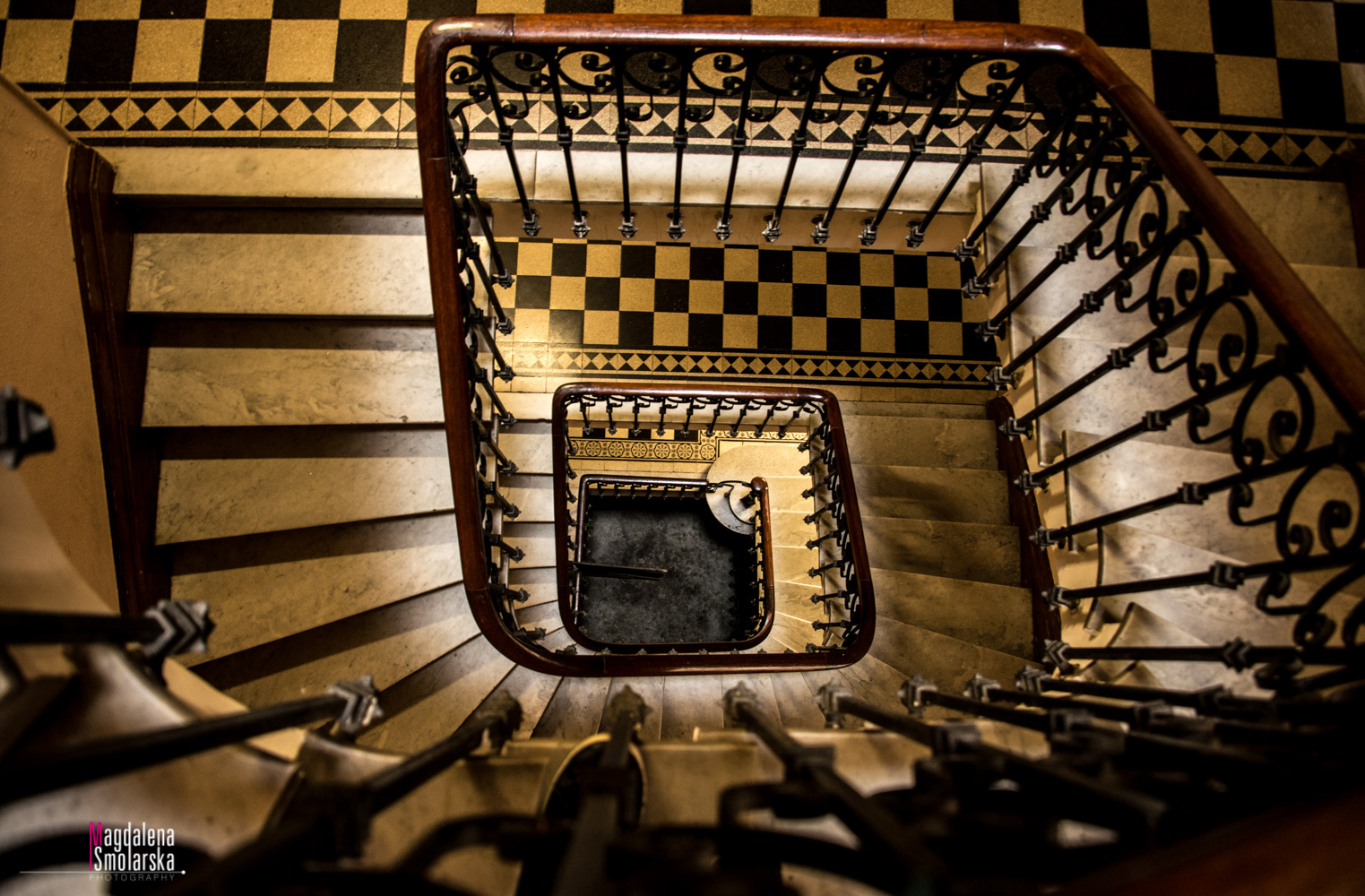 London & Brighton Portrait Photographer- French staircase with Magdalena Smolarska photography