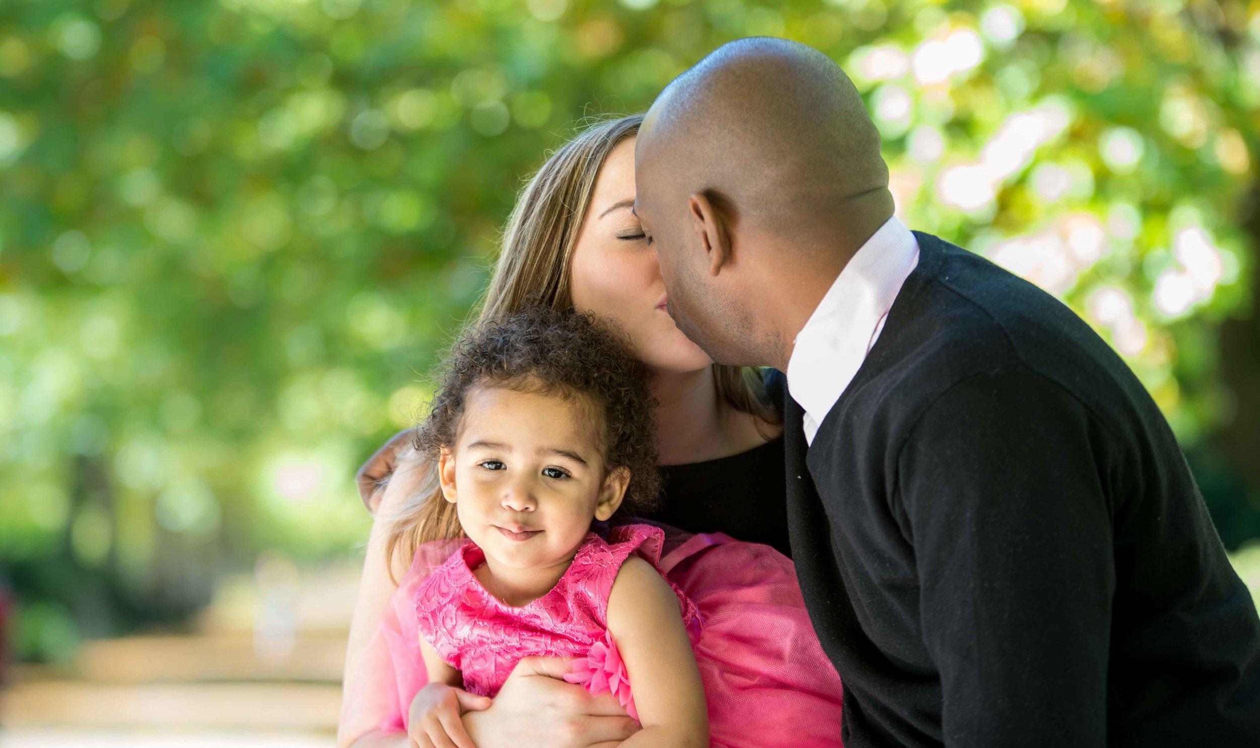 OUTDOOR FAMILY PORTAIT SESSION IN LONDON & BRIGHTON -