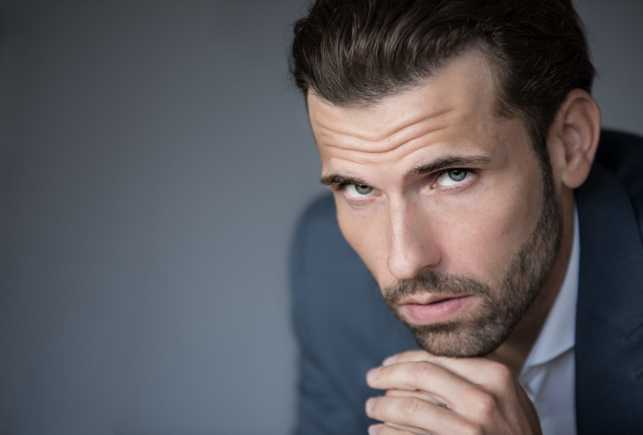 PROFESSIONAL PORTRAIT SESSION WITH AN ACTOR -