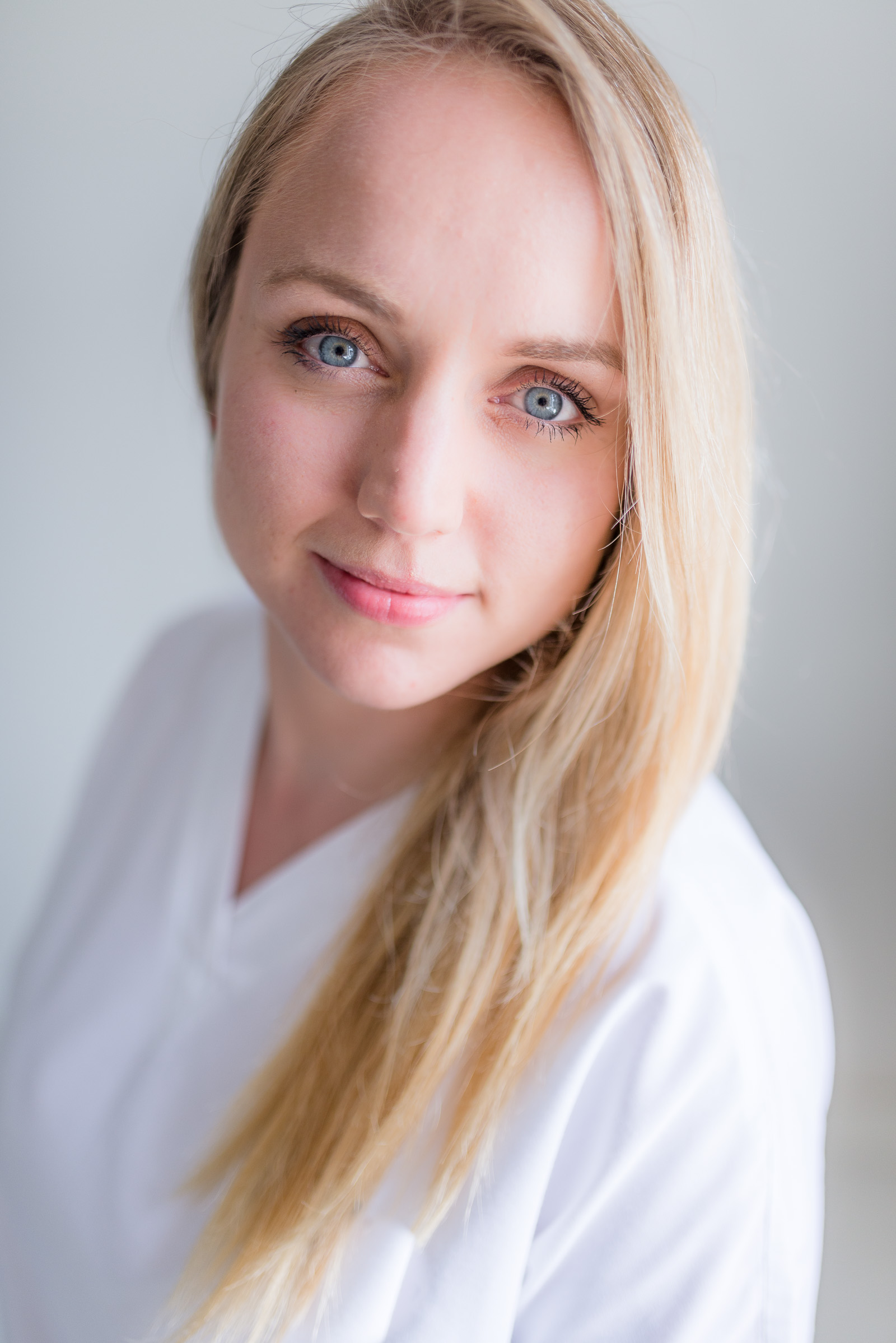 Headshots and portraits for businesses and corporate by Personal Brand Photographer Magdalena Smolarska based in London, Brighton, UK