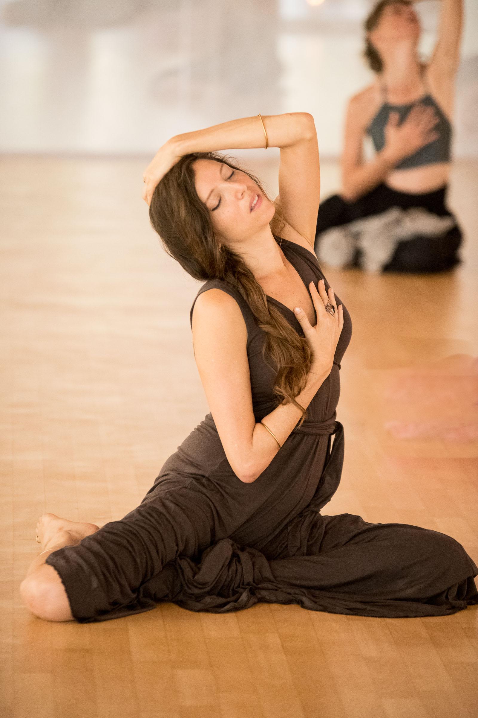 Zola Dubnikova Dance retreat in India documented by Magdalena Smolarska Photography