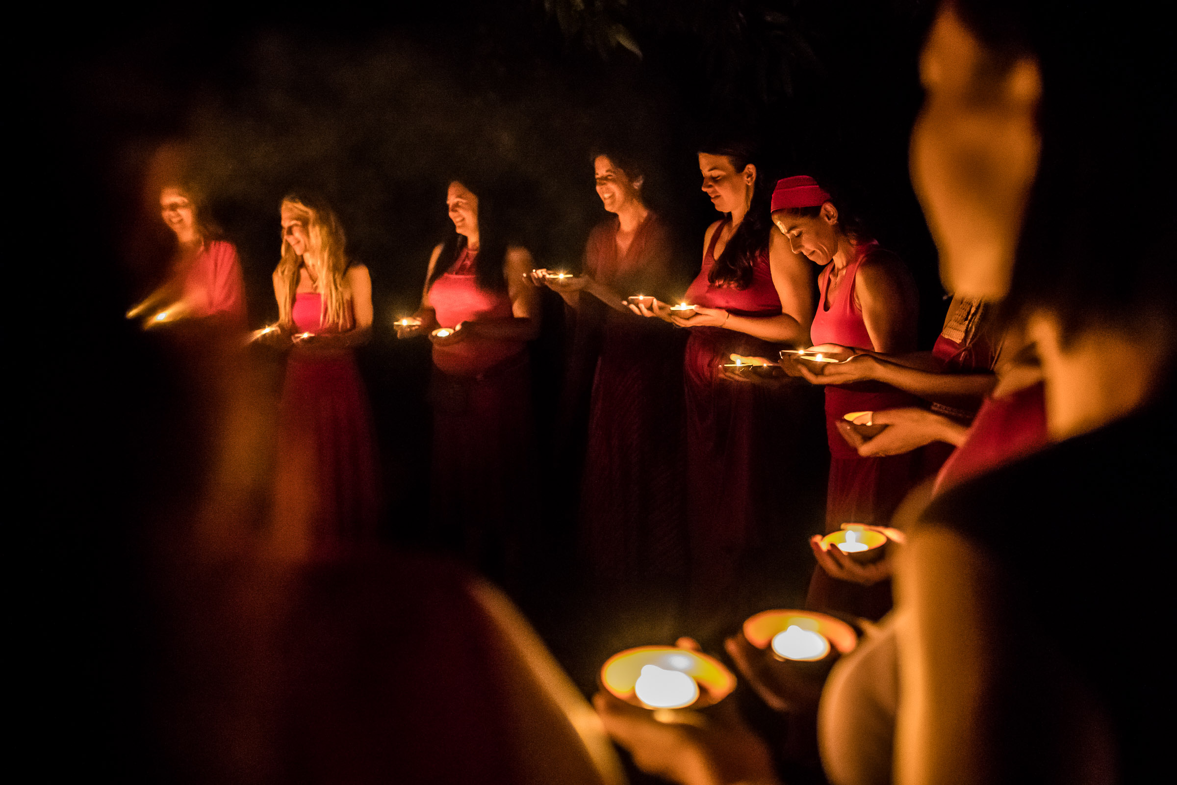 Women Secret Ceremony over the fire phtoographed by Magdalena Smolarska Portrait & Retreat Photographer