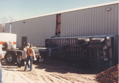 1997 Admin Truck Falls into FLC .jpeg