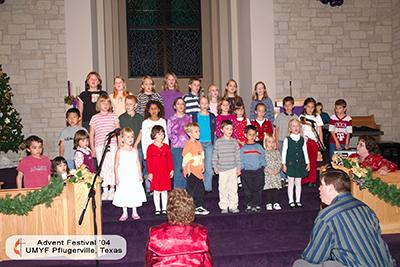 2004 Cmas Child Choir DSC_5631 4x6.jpg