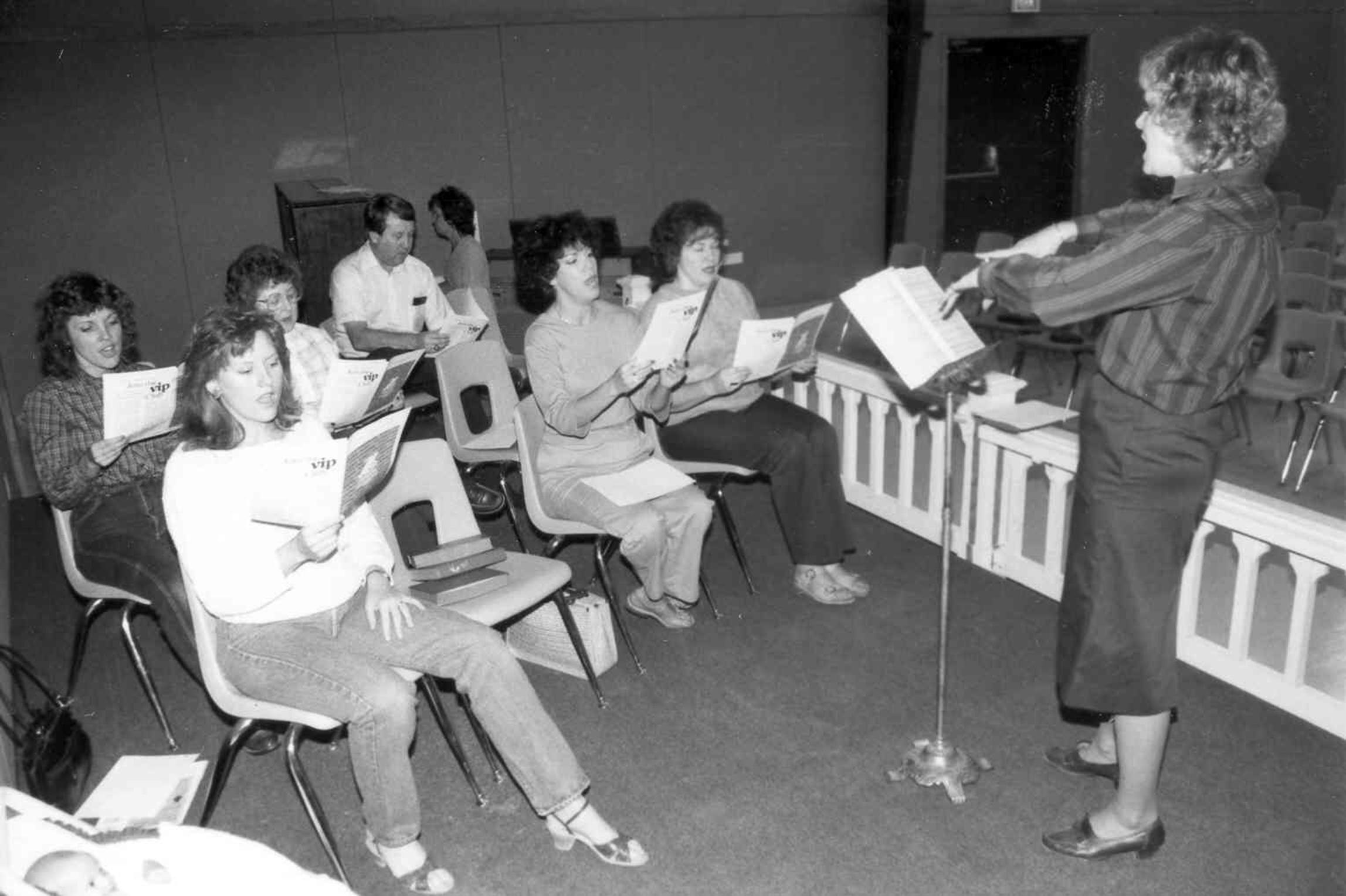 1984 Choir Pic#23.jpg