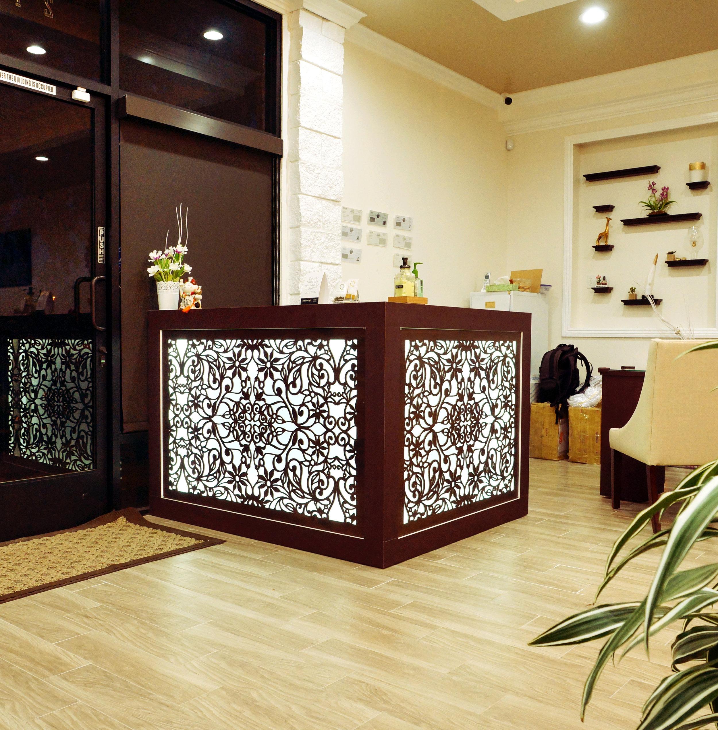 Queenie's Nail Spa, San Jose, CA   Spring Vines pattern, backlit desk