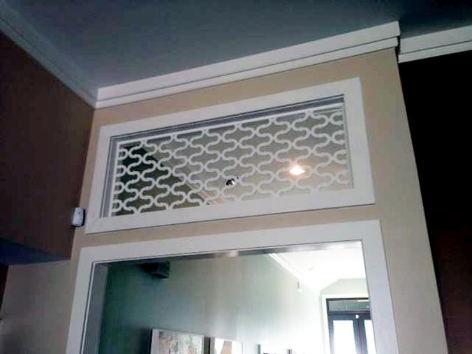Double Horseshoe pattern, door divider